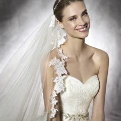 Trouwjurk Dagen Pronovias close up