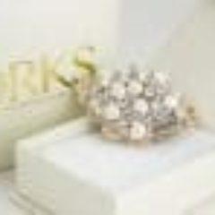 drks-cindy-brooch-on-box-100x74