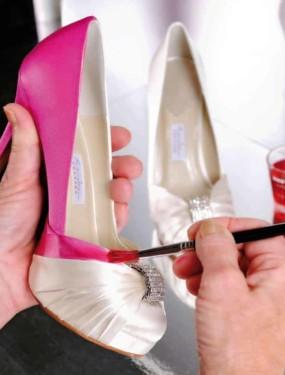 Inkleuren trouwschoenen